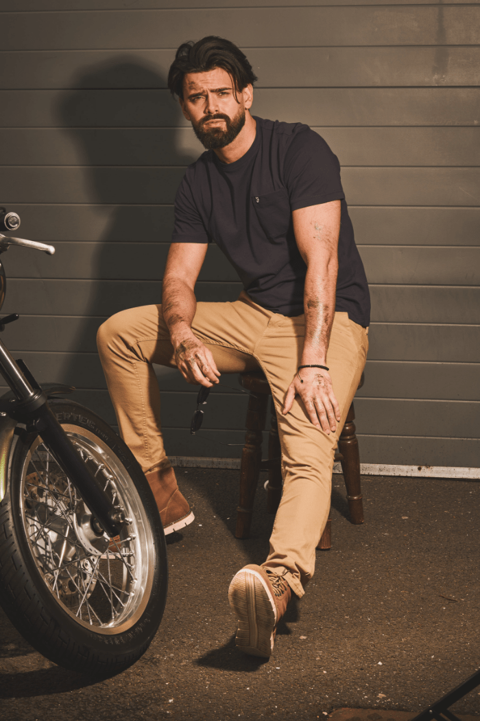 Navy Tee with Sand Chinos farah-navy-pocket-t-shirt / blend-sand-brown-chinos / blend-tan-moc-toe-suede-boots
