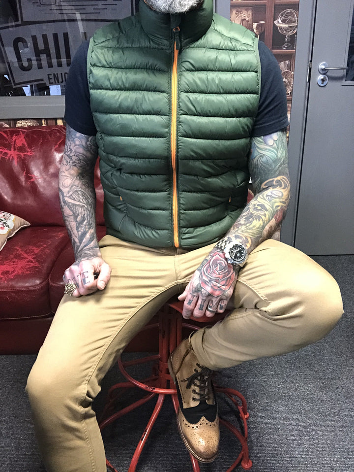 Olive Gilet Layered Spring Look blend-olive-gilet / blend-sand-brown-chinos / london-brogues-gatsby-tan-navy-leather-hi-brogue-boot