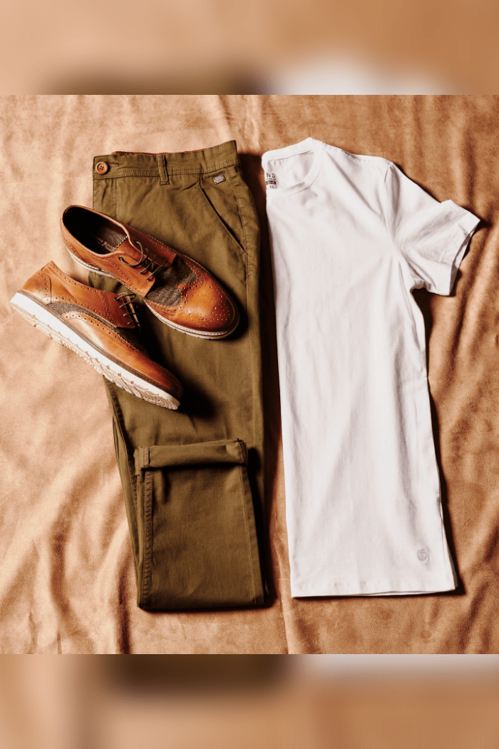 Sharp and Simple blend-white-t-shirts-pack-of-2 / blend-olive-chinos / london-brogues-winston-tan-tweed-brogue-with-white-sole
