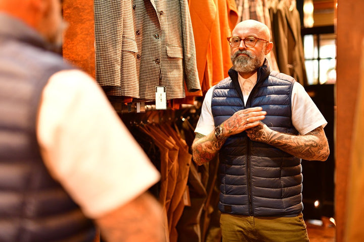 Simon Easing Into the Morning Look blend-blue-gilet / barbour-oxford-short-sleeved-white-shirt / blend-olive-chinos