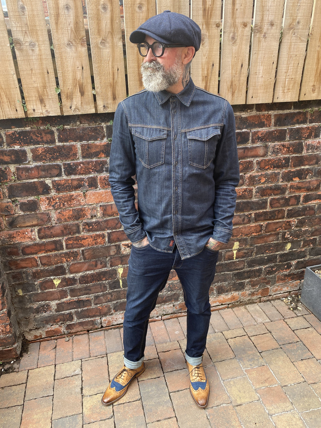 Simon's Double Denim Casual Look blend-dark-wash-denim-shirt / blend-rock-dark-wash-regular-fit-jeans / london-brogues-william-derby-tan-navy-shoes