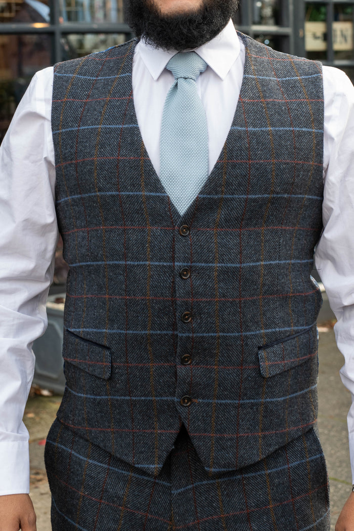 Skopes Doyle Grey Check Tailored Fit Waistcoat 36R