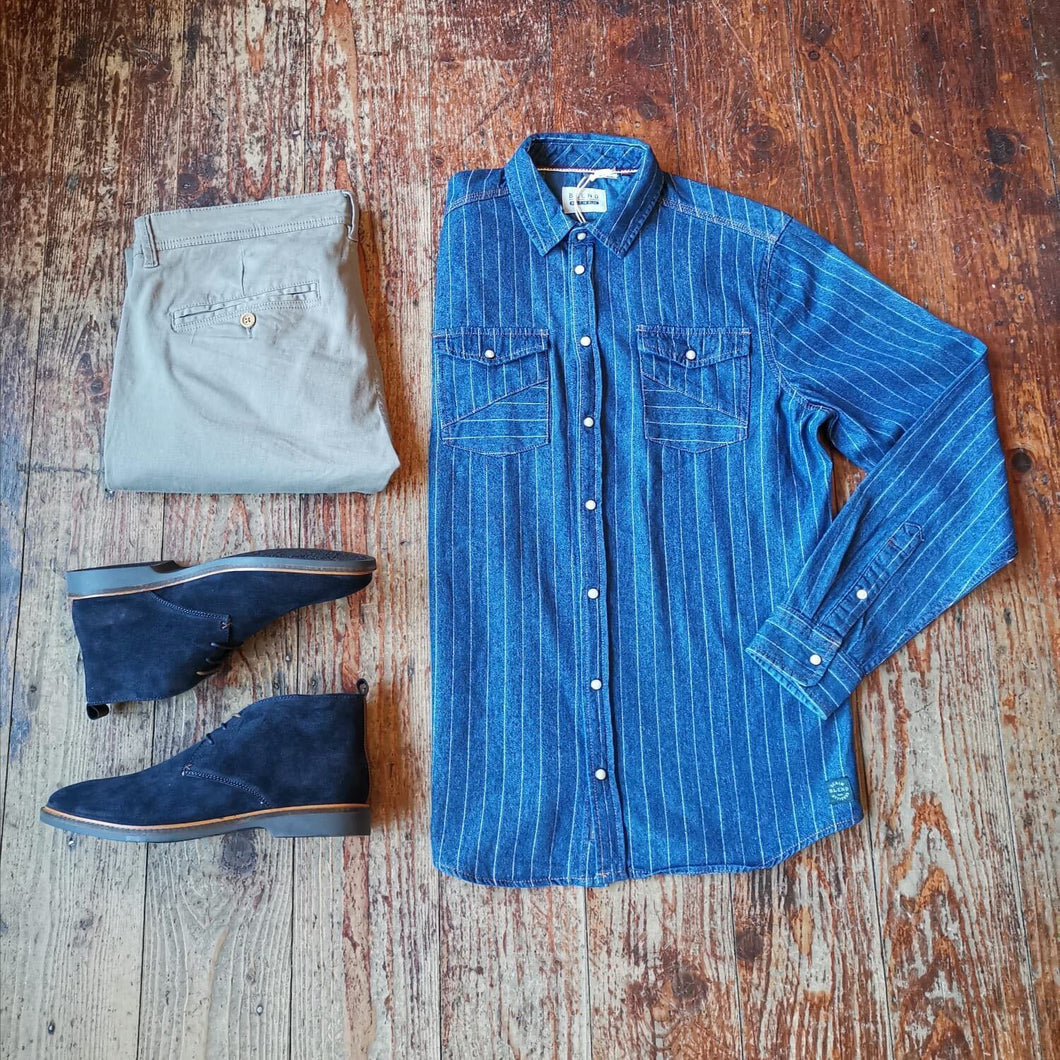 Stylish Sunday Casual Look blend-navy-pinstripe-shirt / blend-granite-chinos / cavani-sahara-navy-suede-desert-boots