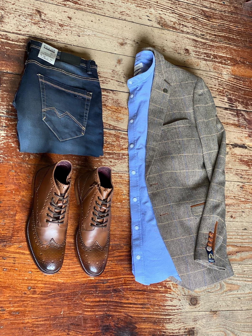 Ted & Jeans Casual Look marc-darcy-ted-tweed-herringbone-check-suit-blazer-tan / casual-friday-cotton-sky-blue-grandad-shirt / blend-dark-wash-jeans