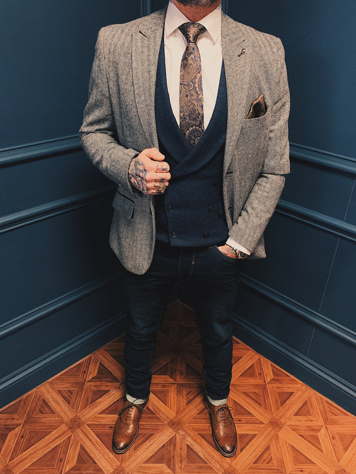 Watson & Rathbone Smart Casual Look master-debonair-watson-navy-and-tan-check-tweed-blazer / master-debonair-rathbone-navy-herringbone-tweed-waistcoat / blend-dark-wash-jeans