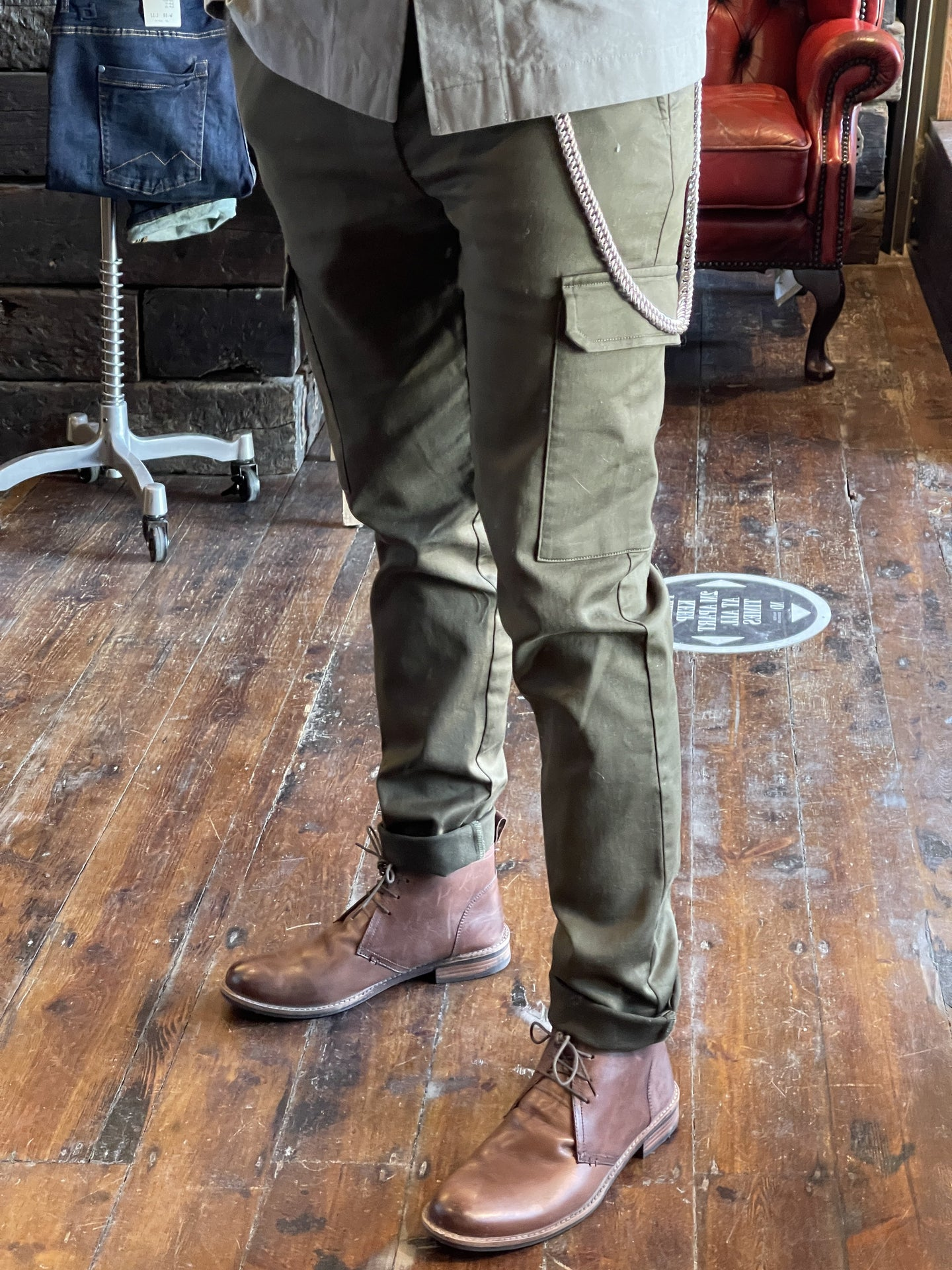 Wear London Cargo Jogger in Olive