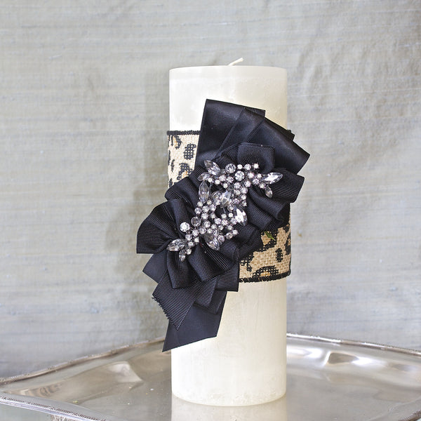 "SK Collection Candle ""Black on White with Leopard Ribbon"""