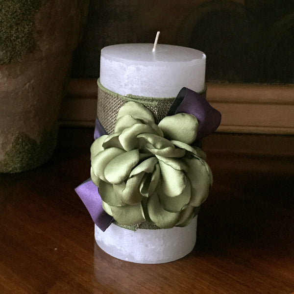 "SK Collection Candle ""Purple with Green Silk Flowers"""