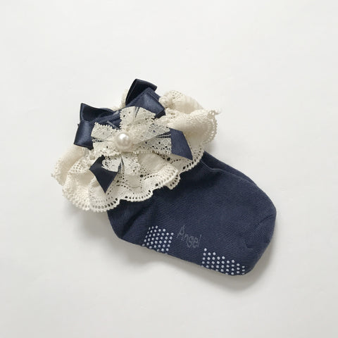 Toddler No-Slip Ankle Socks - Antiqued Ruffled Princess