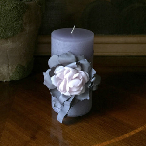 "SK Collection Candle ""Purple with Pink Silk Flowers"""