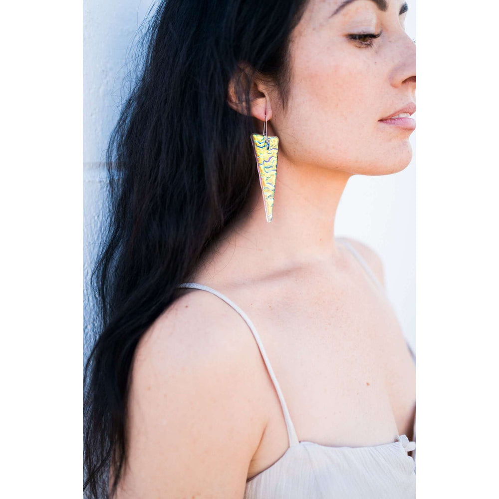 Shir earring long- Wrinkle dichro glass