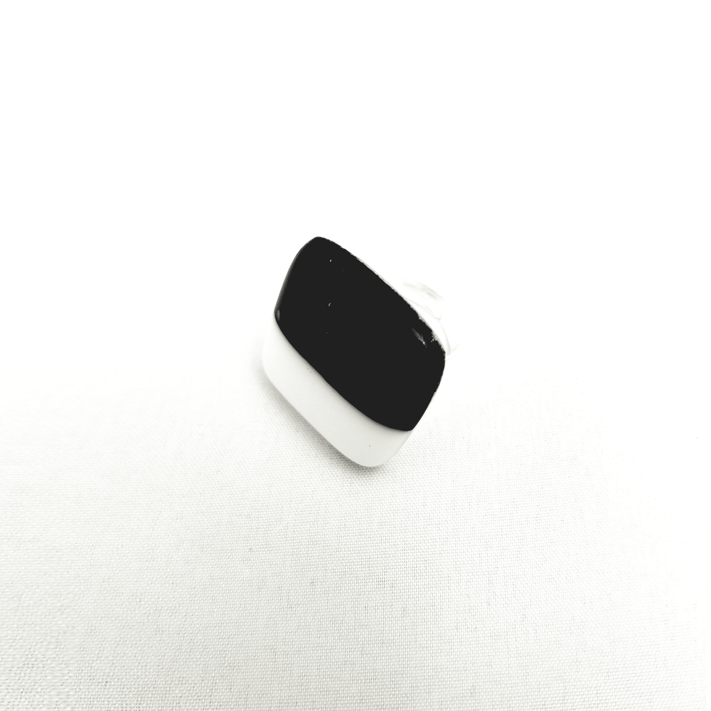 Timeless Ring- Black and white