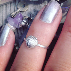 Little Scallop Ring