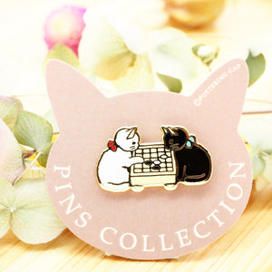 Pottering Cat Pin - Playing Go