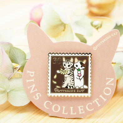 Pottering Cat Pin - Playing Flower Fortune Telling