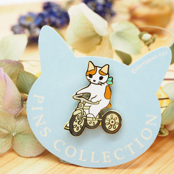 Pottering Cat Pin - Cycling
