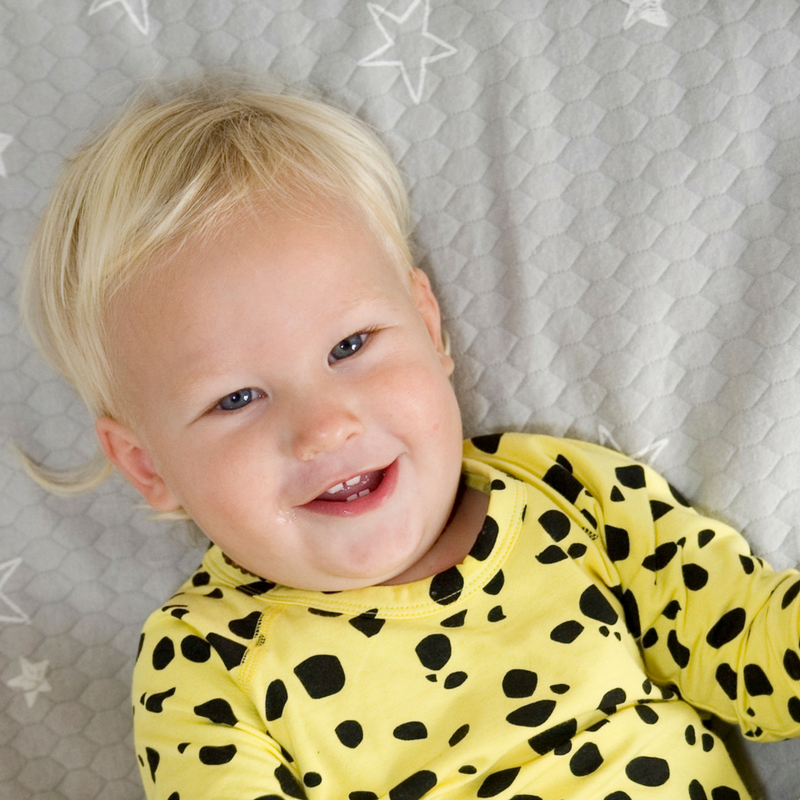 How to ditch the daytime sleep nappy & avoid wee puddles in their bed