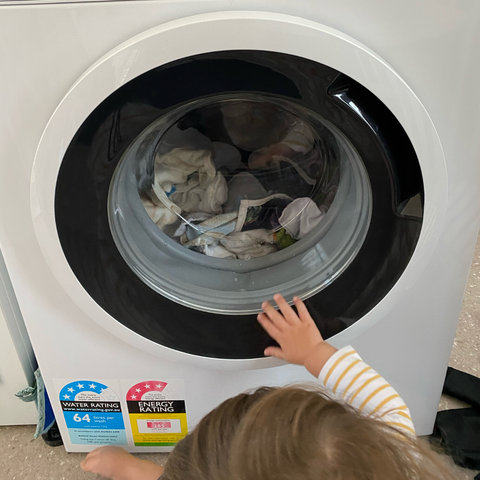 Washing cloth nappies