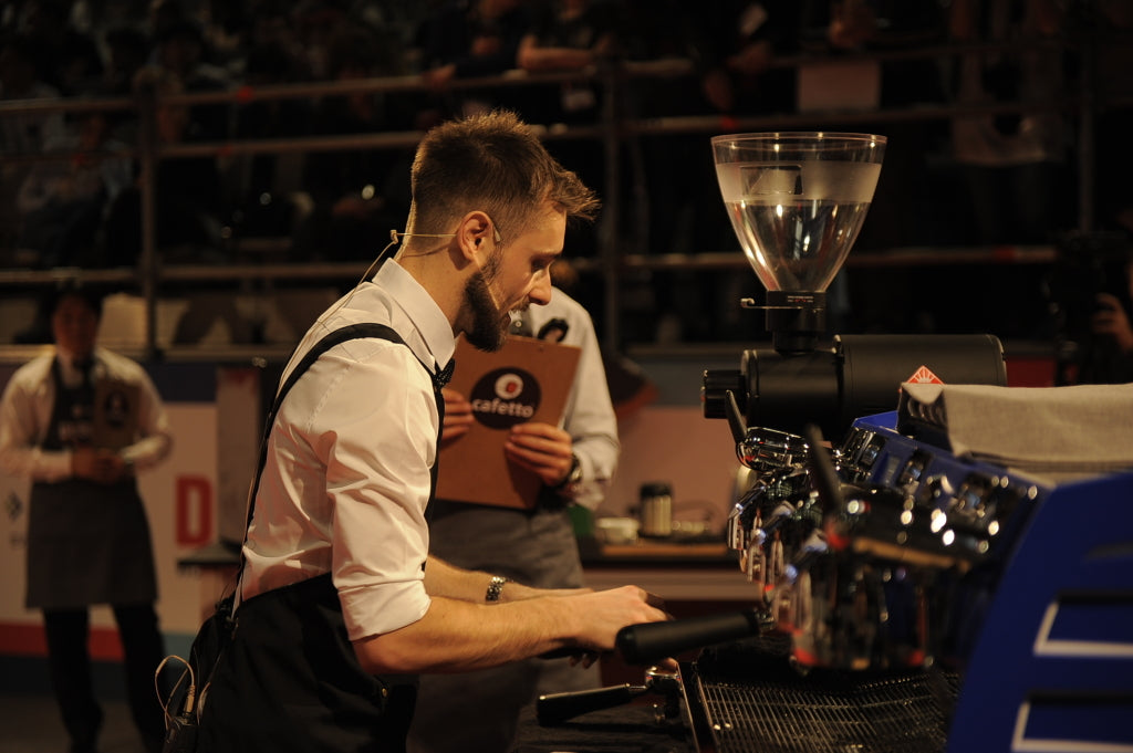 Dan Fellows brewing at The World Barista Championship