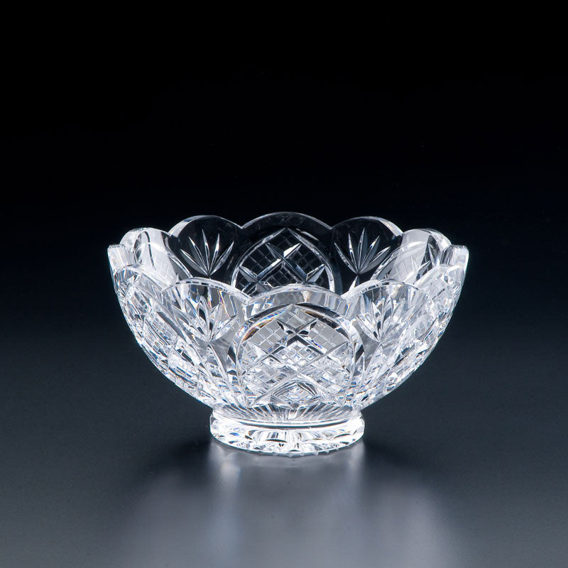 Heritage Irish Crystal: Party Bowl Scolloped (6in) - Hibernian Gifts