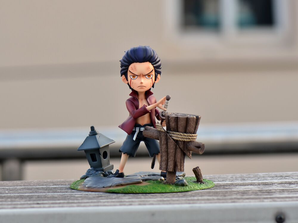 One Piece - FOC Studio - Childhood Young Dracule Mihawk Resin Statue