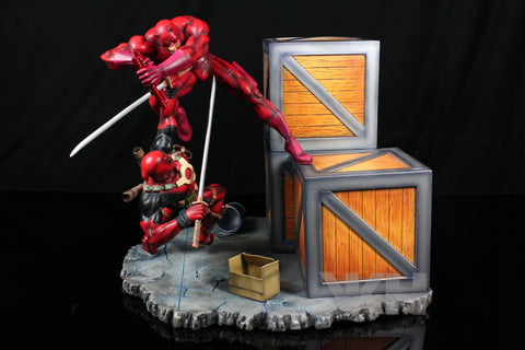 Marvel Comics VKH Daredevil VS Deadpool Resin Statue