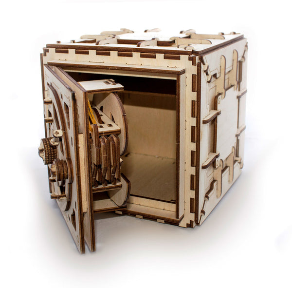 Safe - build your own working model by UGears - UGears - 5
