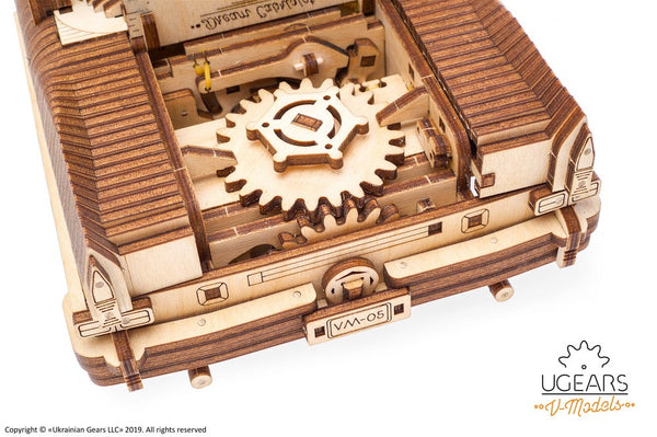 Dream Cabriolet VM-05 - build your own moving model by UGears - UGears