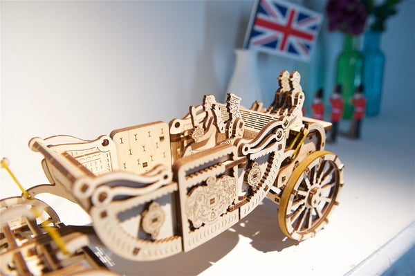 Royal Carriage by UGears - dedicated to the wedding of Prince Harry and Meghan Markle - UGears