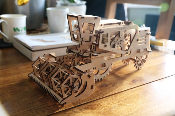 Combine - build your own moving model by UGears - UGears - 6