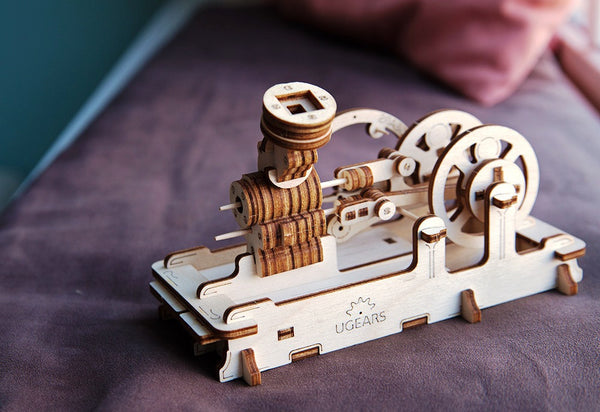Engine - build your own working model by UGears - UGears - 3
