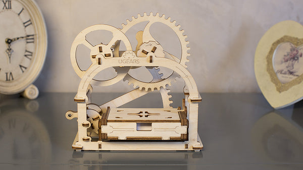 Treasure Box - build your own working model by UGears - UGears - 9