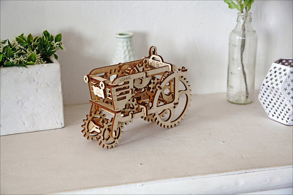 Tractor - build your own moving model by UGears - UGears - 3