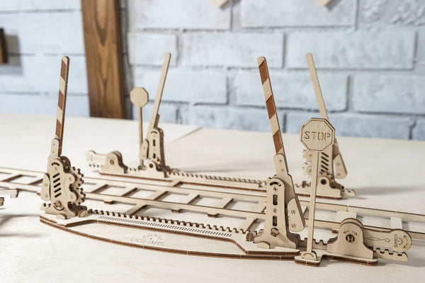 Rails and Crossing - build your own working model by UGears - UGears - 4