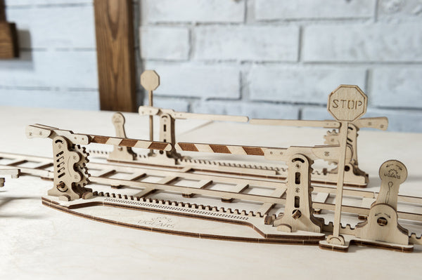 Rails and Crossing - build your own working model by UGears - UGears - 5