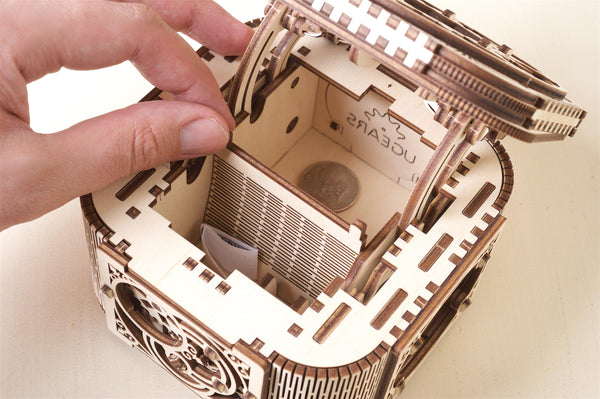 Treasure box - build your own working model by UGears - UGears
