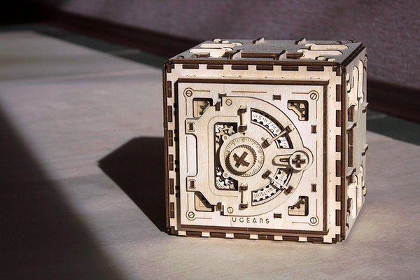 Safe - build your own working model by UGears - UGears - 4