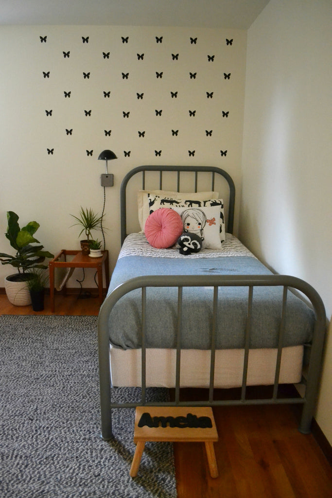 Washington Home Tour with Summer Wick. Midcentury modern furniture, house plants, fiddle fig, childrens room, kids room, land of nod