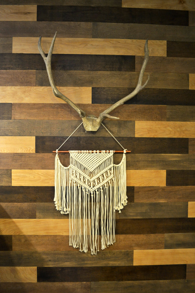 Home Tour with Sarah Voss of Trouvaille Lifestyle Shop. Macrame, Antlers
