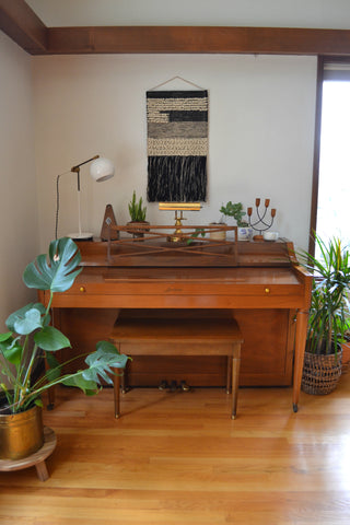 Washington Home Tour with Summer Wick. Midcentury modern furniture, house plants, piano,