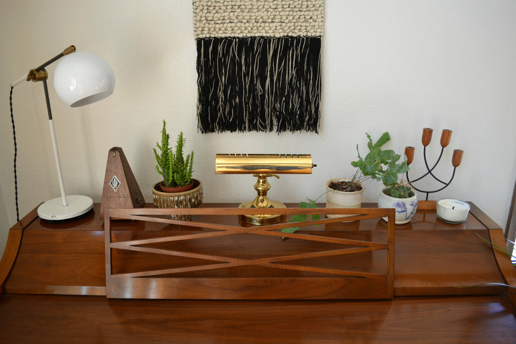 Washington Home Tour with Summer Wick. Midcentury modern furniture, vintage piano, plants