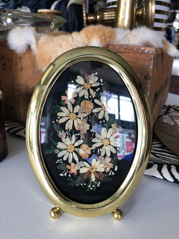 Oval Gold Frame With Pressed Flowers