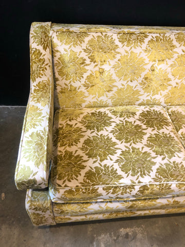 7' Beautiful Vintage Floral Couch