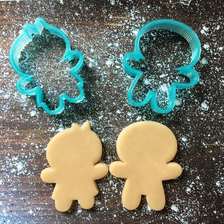 Cute Gingerbread Girl & Boy Cookie Cutter Set with Cookie