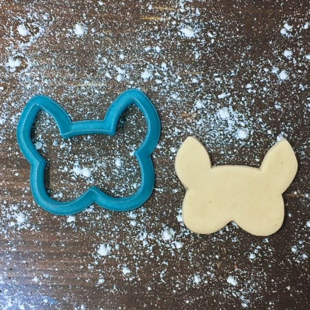 Deer Mask Cookie Cutter with Cookie