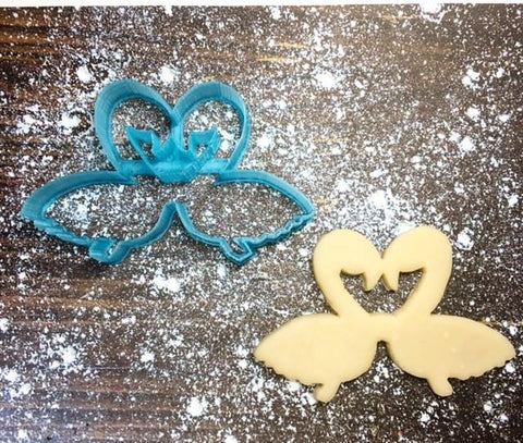 Flamingle Sunnies Cookie Cutter with Cookie