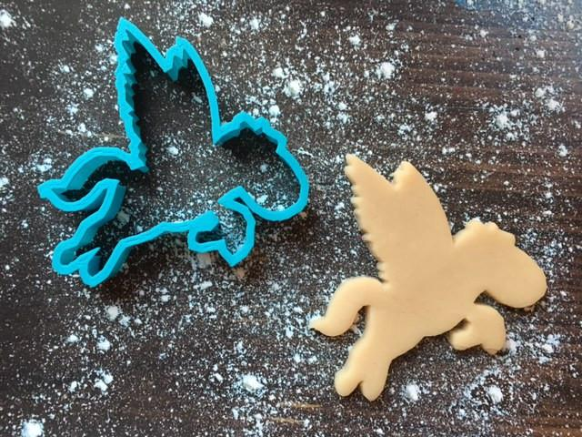 Flying Pegasus Cookie Cutter with Cookie