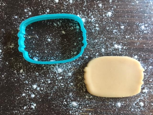 Macaron Cookie Cutter with Cookie