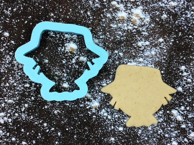 Scarecrow Head Cookie Cutter with Cookie