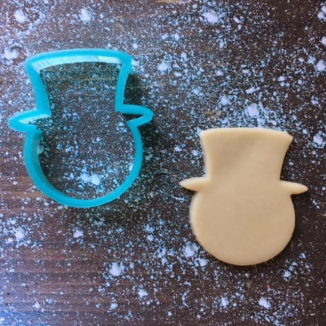 Snowman Head Cookie Cutter with Cookie